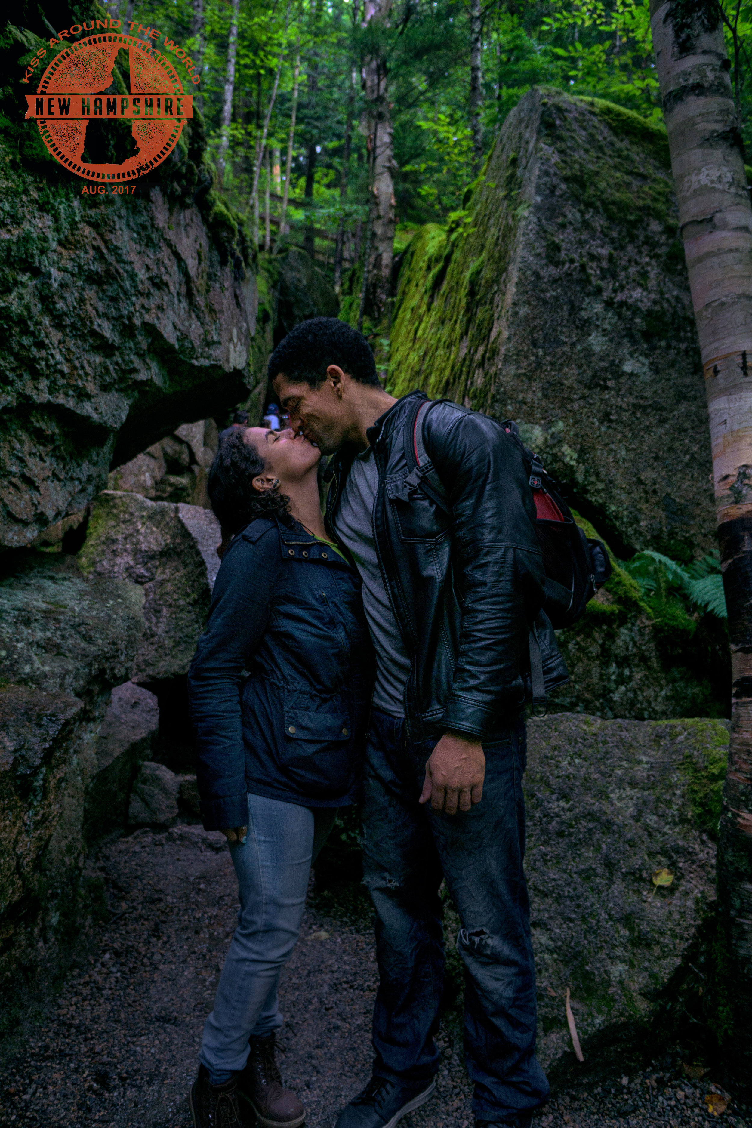 vickygood_photography_NH_travel_kissjpg.jpg