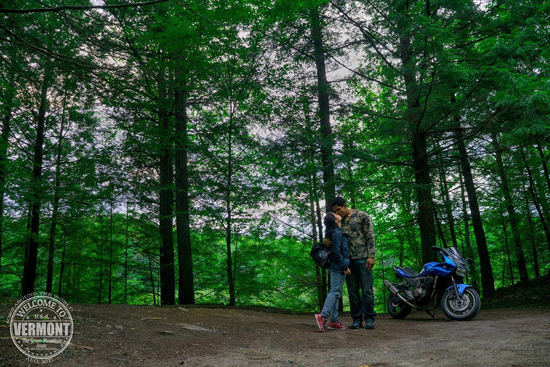 vickygood_photography_VT_travel_kiss.jpg