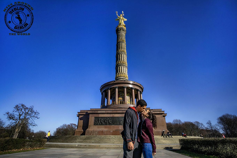 berlin_kiss AROUNDthe world_vickygood_travel photography.jpg