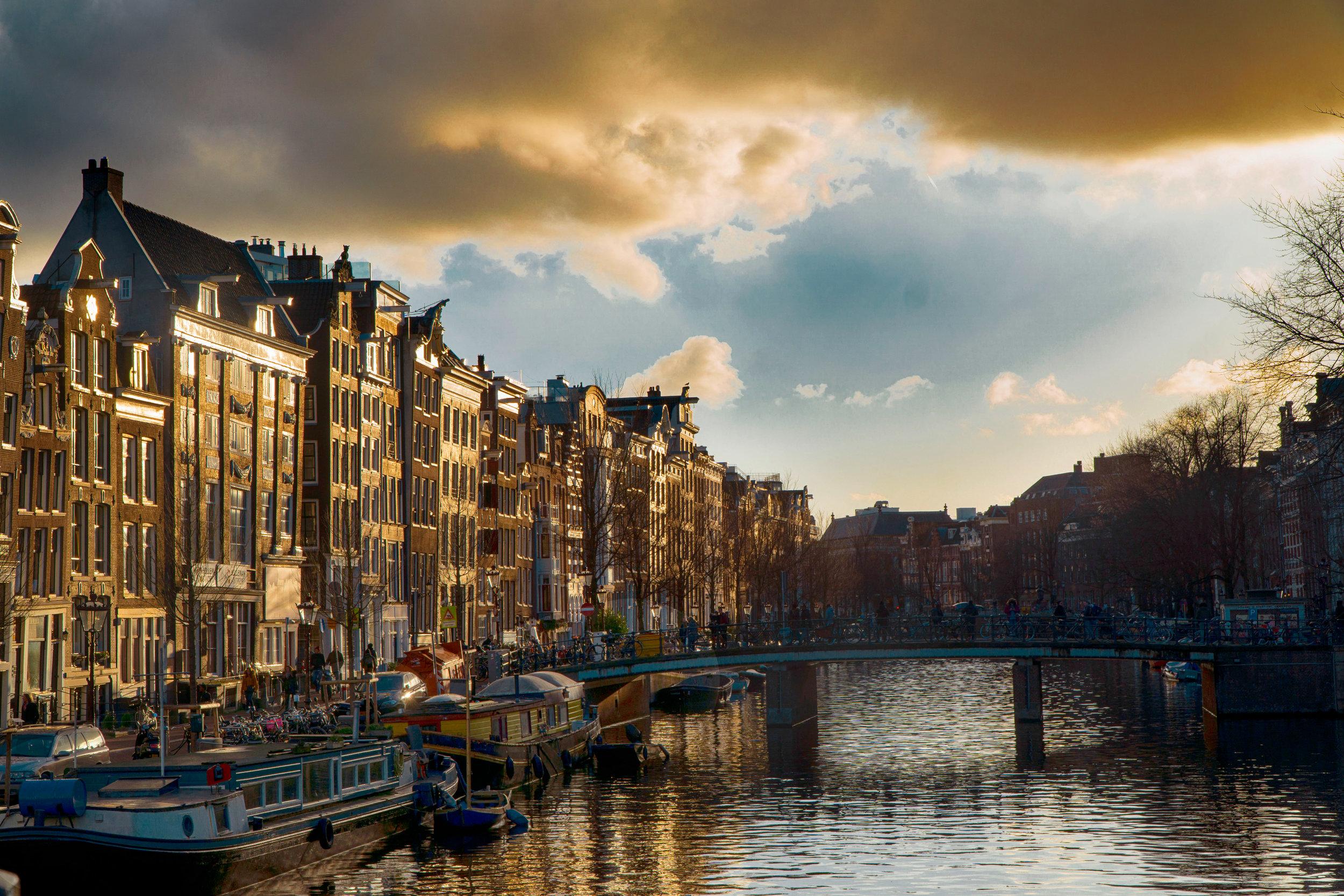 Amsterdam_vickygood_travel_photography_sm.jpg