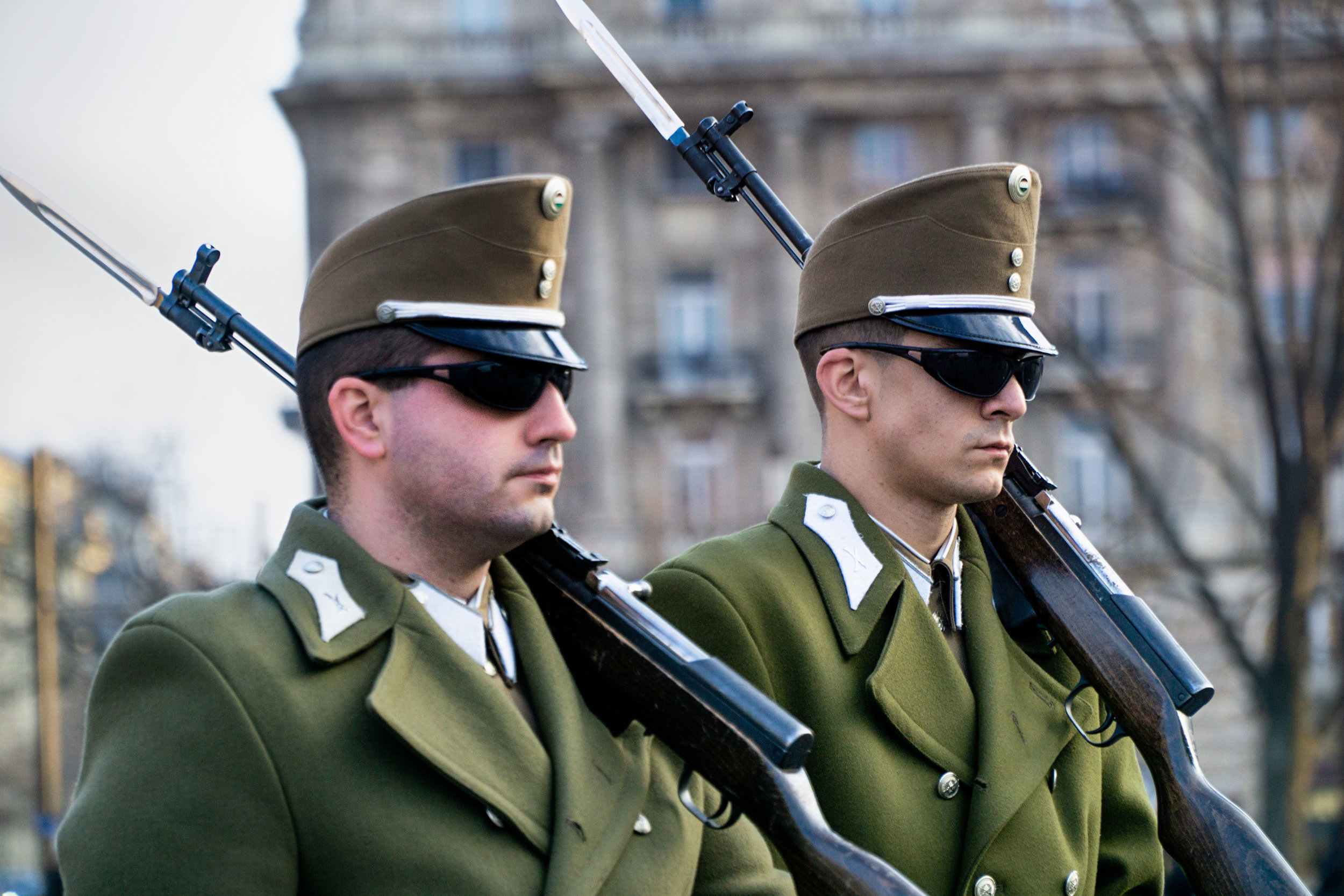 budapest_parliament_building_guards_vickygood_travel_photography2sm.jpg