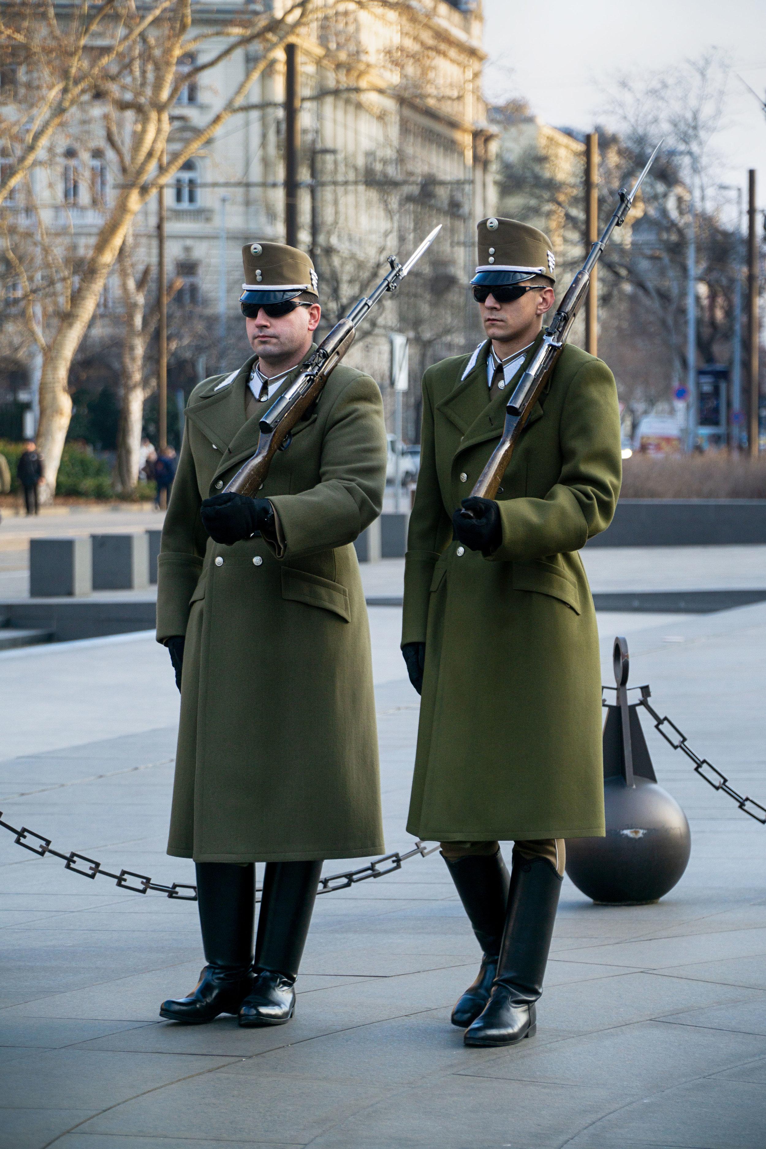 budapest_parliament_building_guards_vickygood_travel_photographysm.jpg