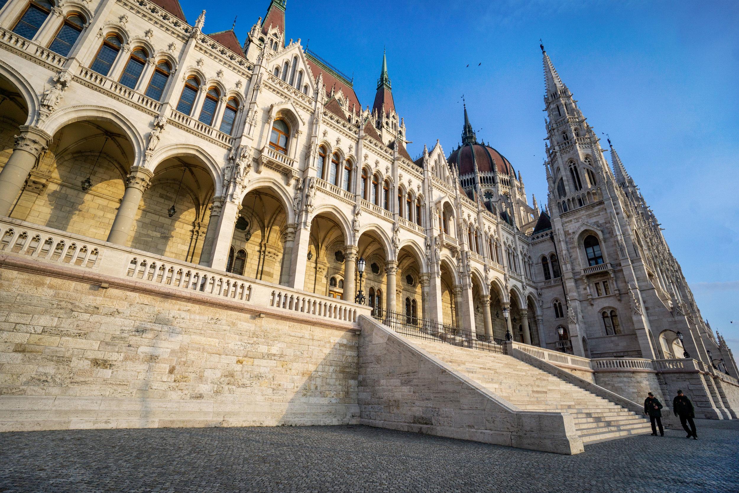 budapest_parliament_building_vickygood_travel_photography4sm.jpg