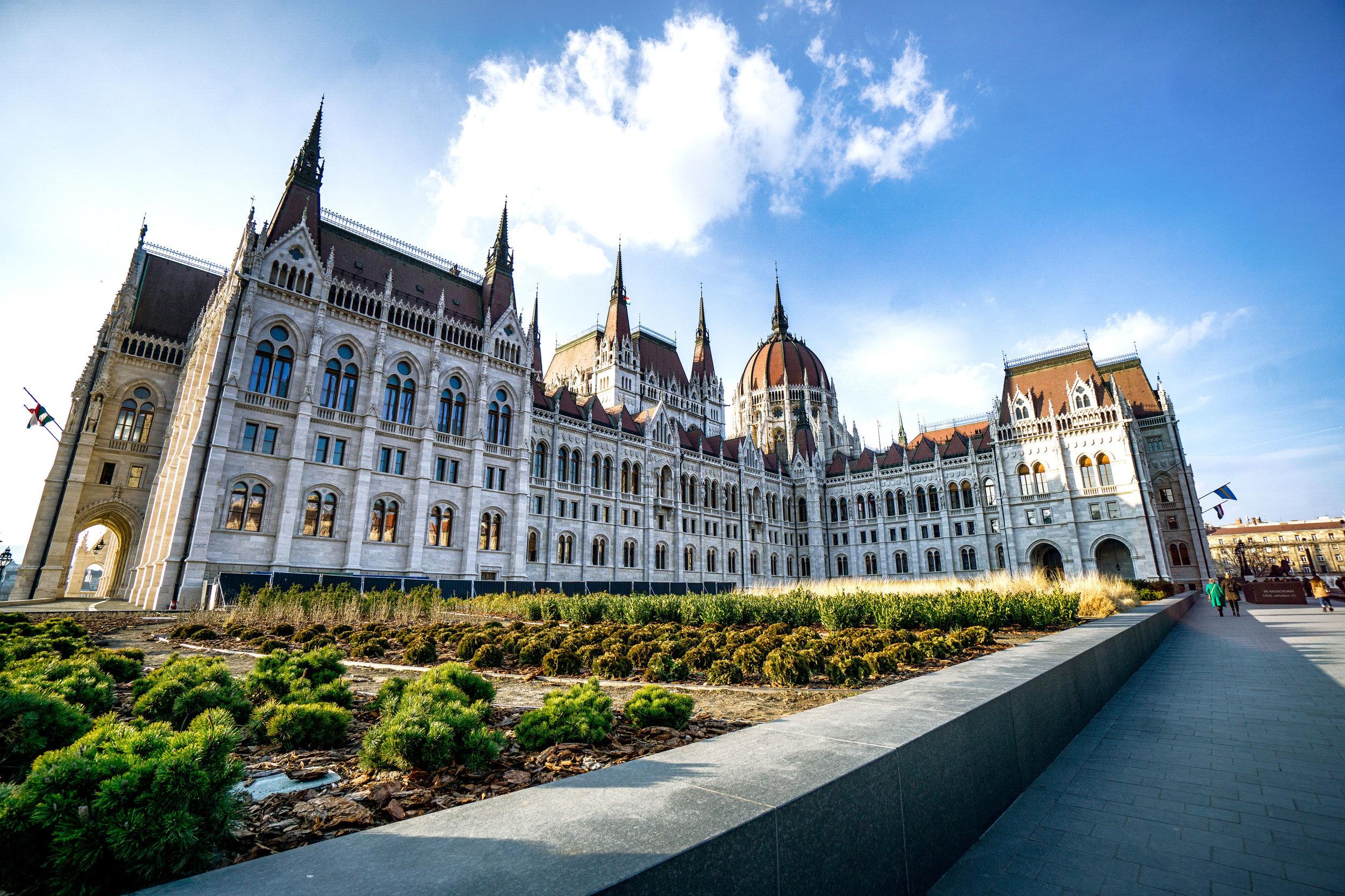 budapest_parliament_building_vickygood_travel_photography5sm.jpg