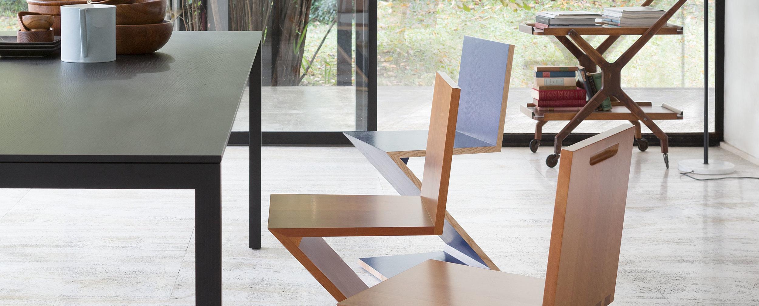 195_naan_2 Cassina Loncin design verlengbare tafel meubel zetel Leuven Brussels mechelen antwerpen vlaams-branbant Limburg Hasselt Tongeren Genk Sint-Truiden Zoutleeuw.jpg
