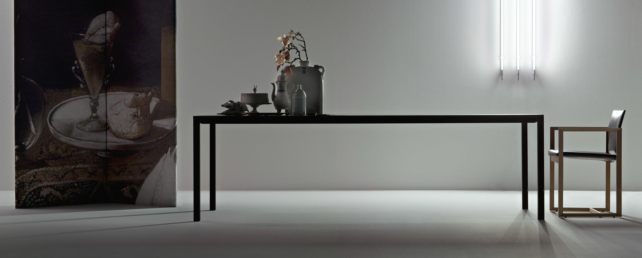 195_naan_5 Cassina Loncin design verlengbare tafel meubel zetel Leuven Brussels mechelen antwerpen vlaams-branbant Limburg Hasselt Tongeren Genk Sint-Truiden Zoutleeuw.jpg