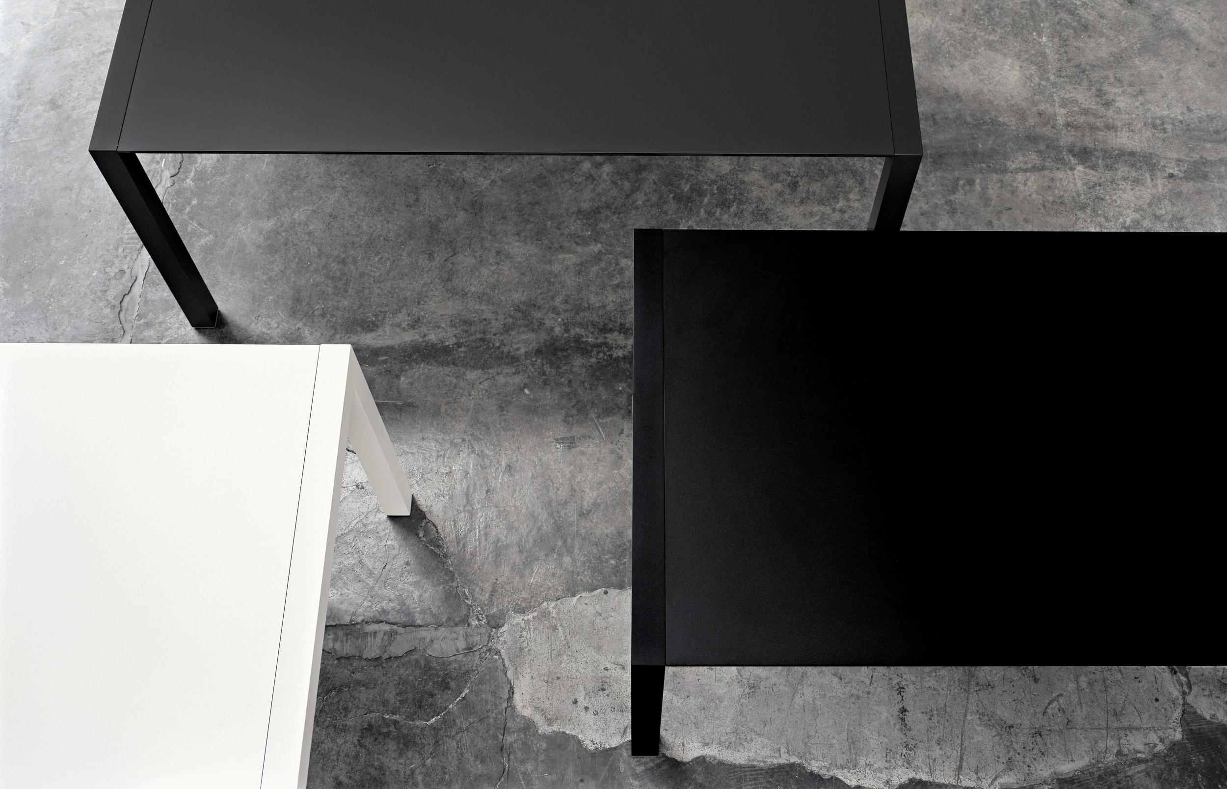 sushi Kristalia Verdeler Loncin design verlengbare tafel meubel zetel Leuven Brussels mechelen antwerpen vlaams-branbant Limburg Hasselt Tongeren Genk Sint-Truiden Zoutleeuw.jpg
