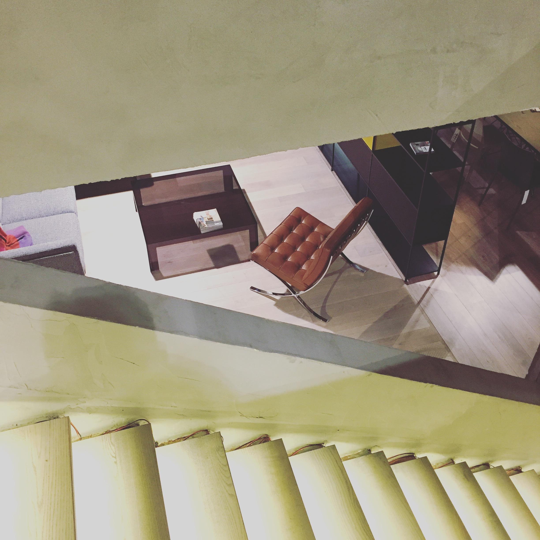 Barcelona chair in cognac kleur in onze toonzaal Leuven.