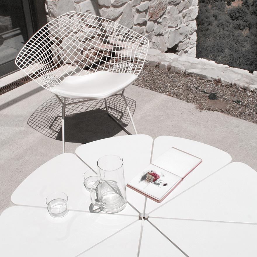 bertoia-diamond-chair.jpg