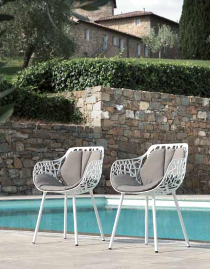 Fast outdoor buitenmeubel design Leuven Zoutleeuw Loncin forest stoel  2.png