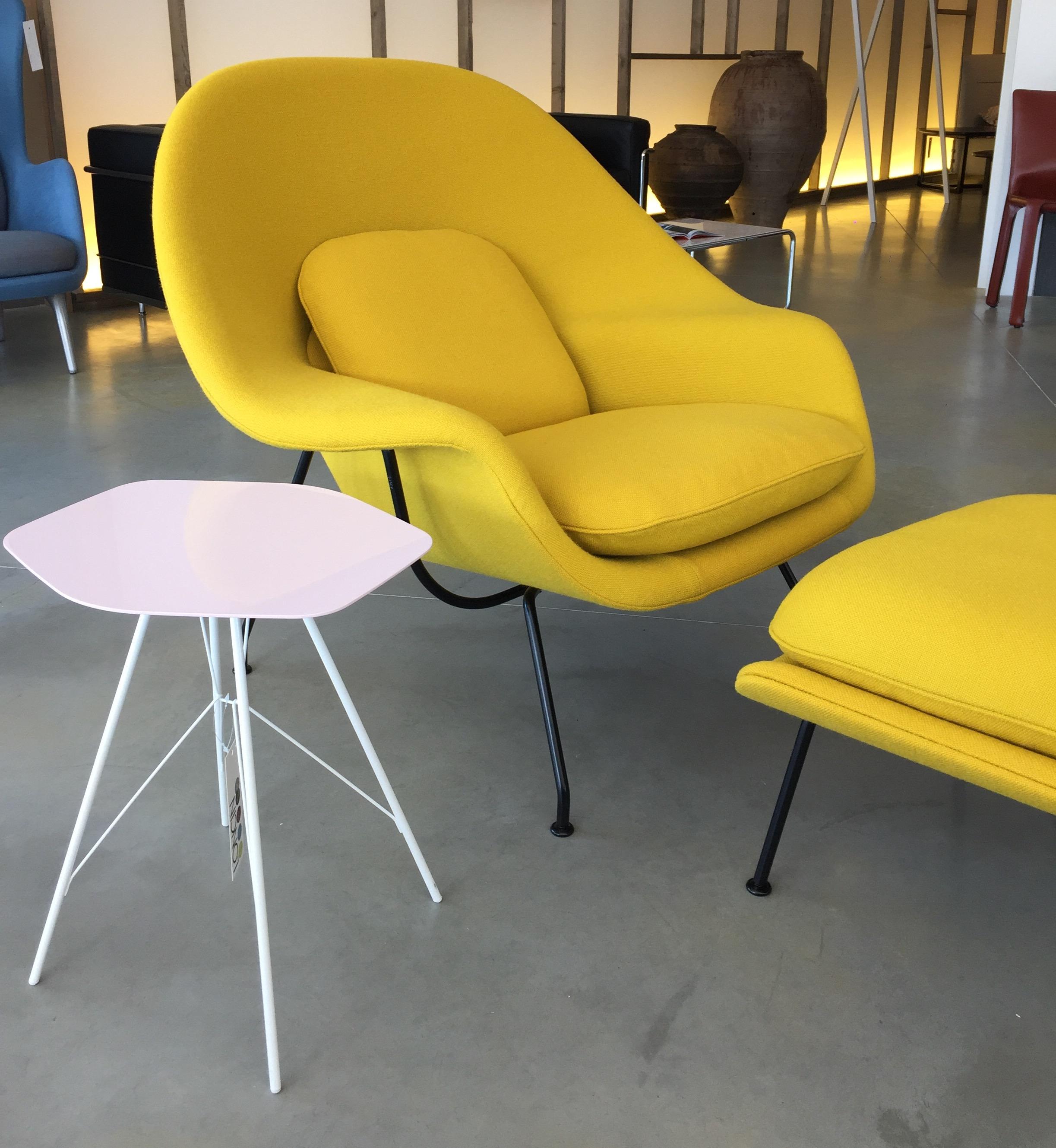 Knoll Womb Chair fauteuil eero Saarinen Loncin designmeubelen meubelwinkel Hasselt Antwerpen Leuven Brussels Bruxelles Mechelen Limburg Brabant Gent interieur winkel 1.jpg