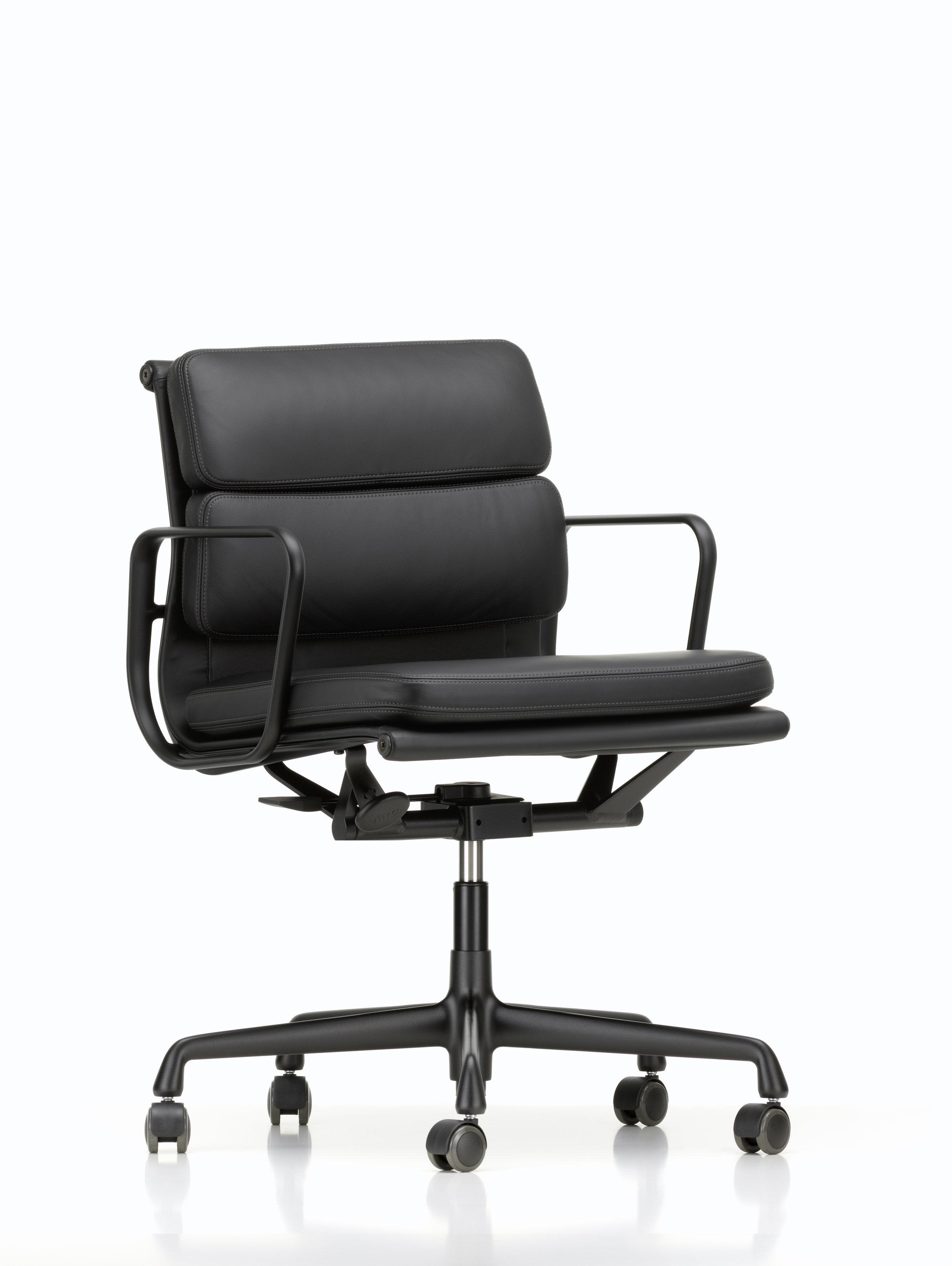 Vitra Loncin Hasselt Leuven Zoutleeuw Mechelen brussel Bruxelles brabant en Limburg design meubelwinkel  2512025_Soft Pad Chair EA 217_master.jpg