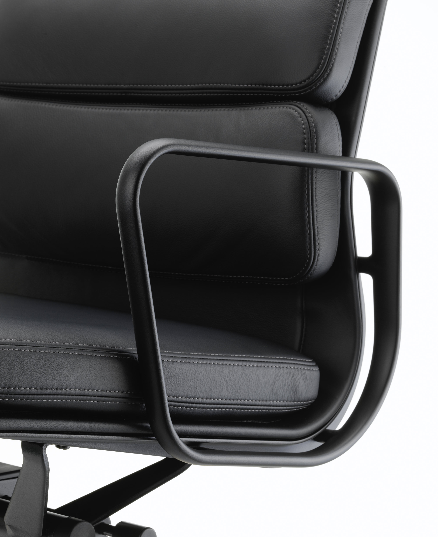 Vitra Loncin Hasselt Leuven Zoutleeuw Mechelen brussel Bruxelles brabant en Limburg design meubelwinkel  2514742_Soft Pad Chair EA 217_master.jpg