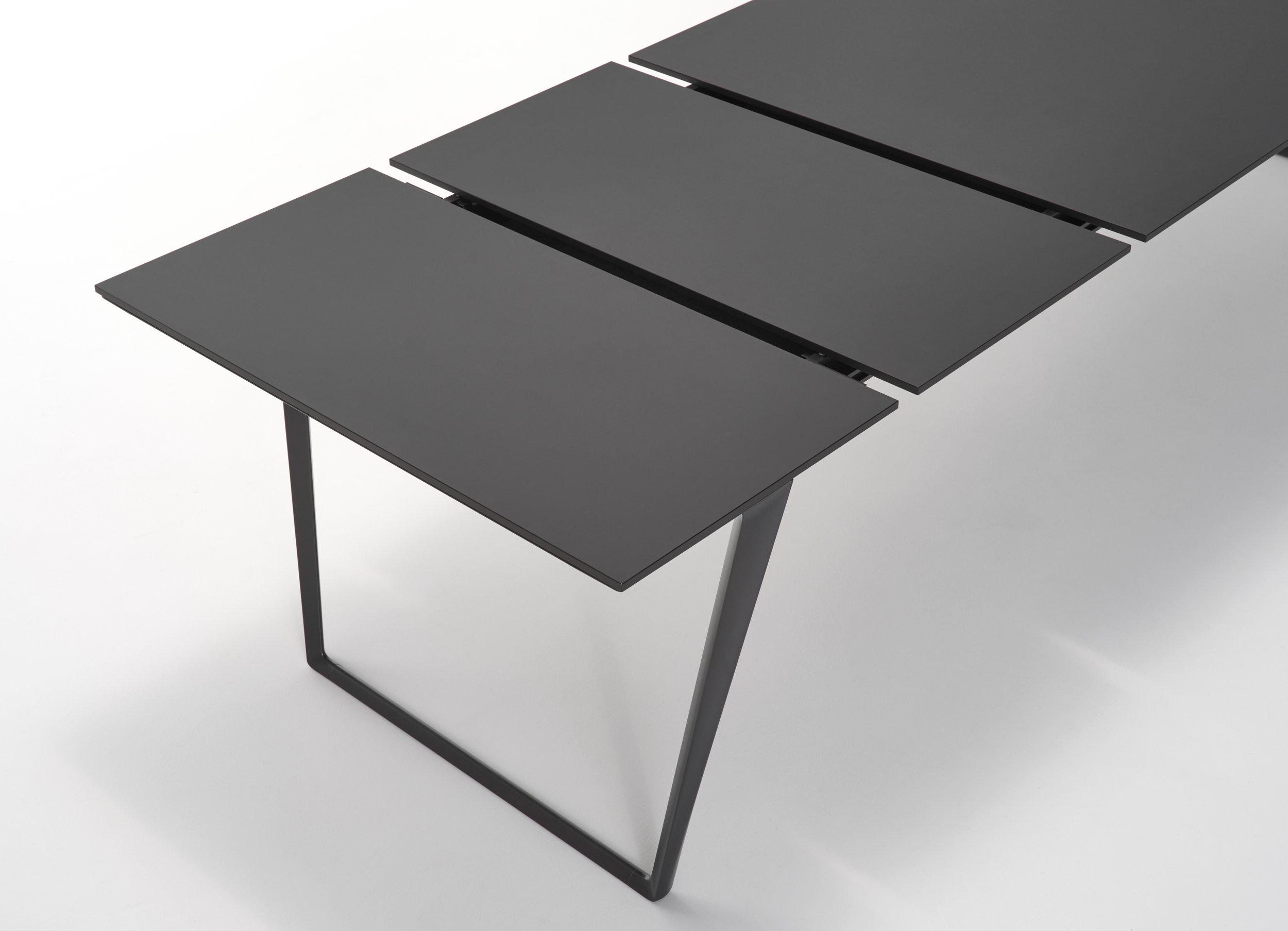 Axy MDF Italie bij design meubelwinkel  in Leuven Hasselt Limburg Brabant Zoutleeuw  design tafel verlengbaar.jpg