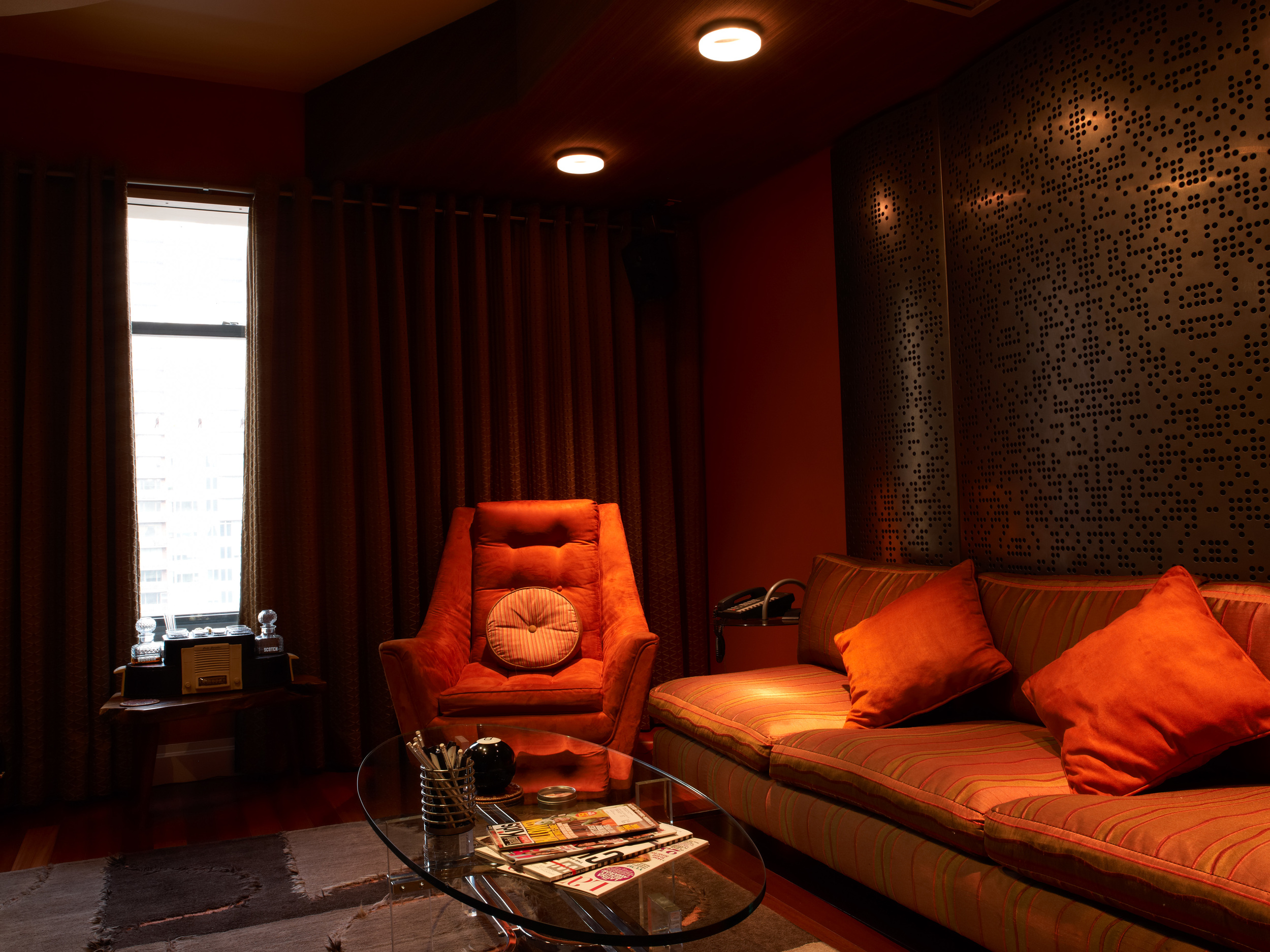 Headroom_S 75251.jpg