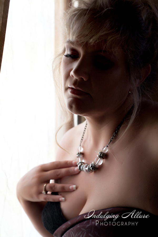 Mature-woman-boudoir-photographer.jpg