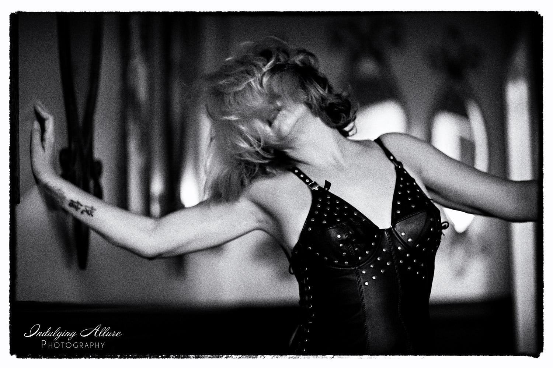 Film-Noir-Black-White-Sexy-Mature-Woman-boudoir-photo.jpg