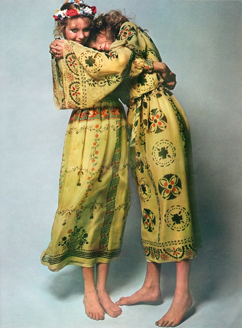 Guy Bourdin, Paris Vogue 1970, Chloé spring-summer 1970 collection ©The Guy Bourdin Estate, 2017 / Courtesy A + C