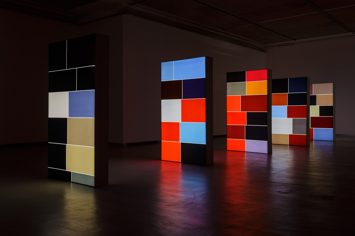 2 Seconds of Colour, 2016, double sided fabric light boxes, 150cm x 265cm x 30cm, installation, Contemporary Art Centre, Vilnius, Lithuania, 2017, photo: Andrej Vasilenko