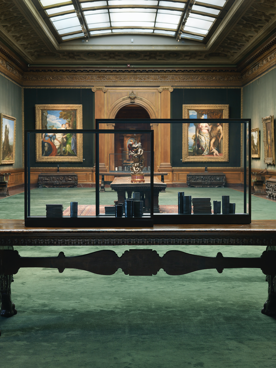 Edmund de Waal  noontime and dawntime 2019,  courtesy of the artist and The Frick Collection; photo: Christopher Burke.