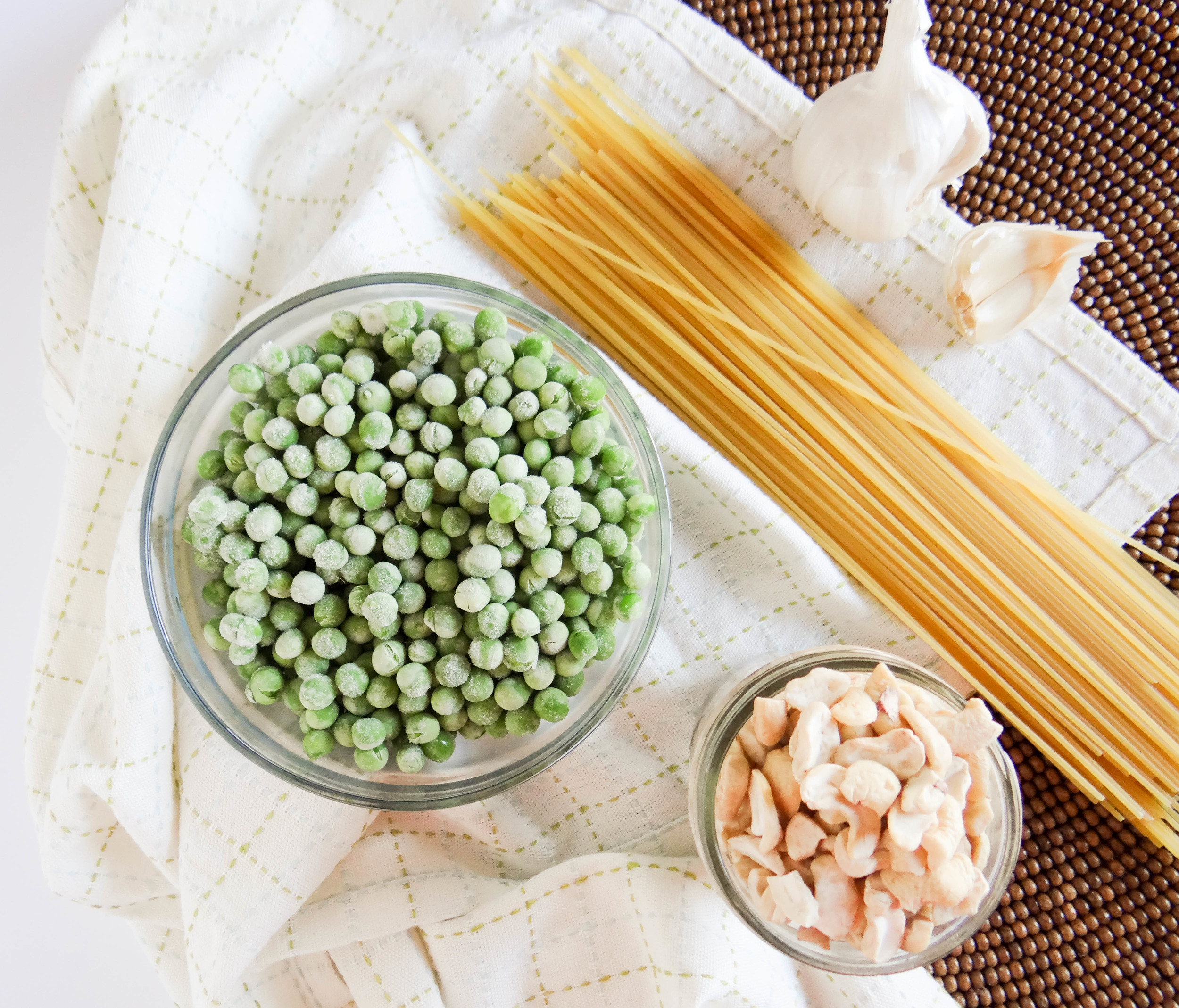 Creamy Garlic Spaghetti with Peas-6.jpg