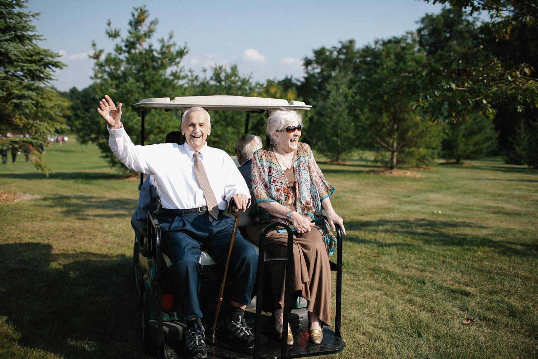 Wisconsin Backyard Wedding Photos028.jpg
