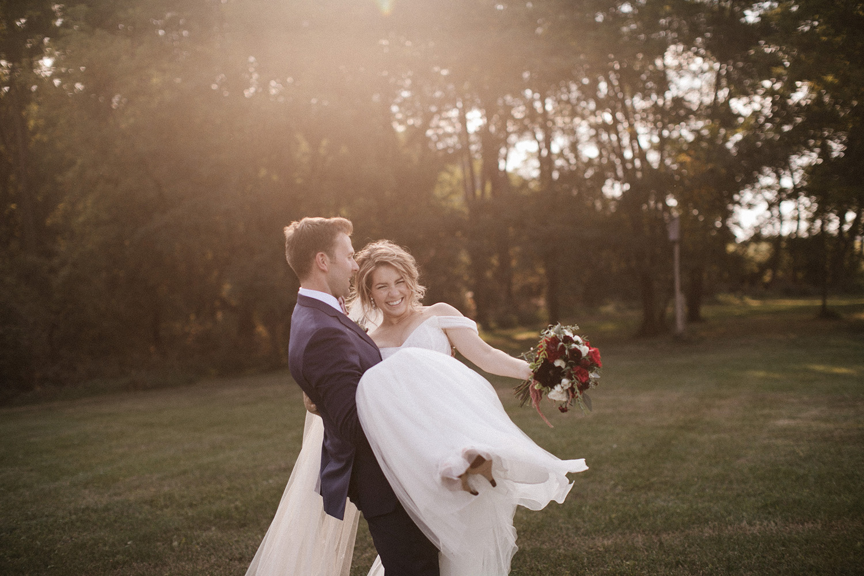 Wisconsin Backyard Wedding Photos068.jpg