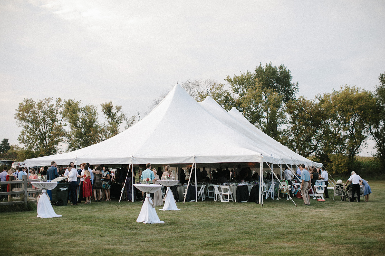 Wisconsin Backyard Wedding Photos087.jpg