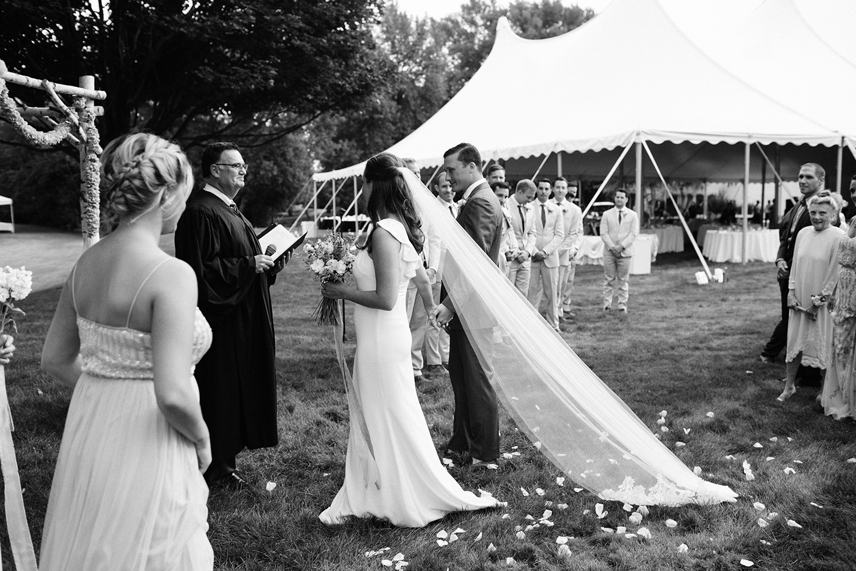 Chicago Backyard Wedding Photos043.jpg