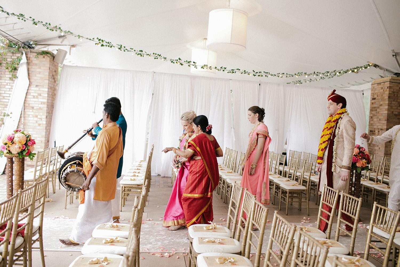Chicago Botanic Gardens Indian Wedding 057.jpg