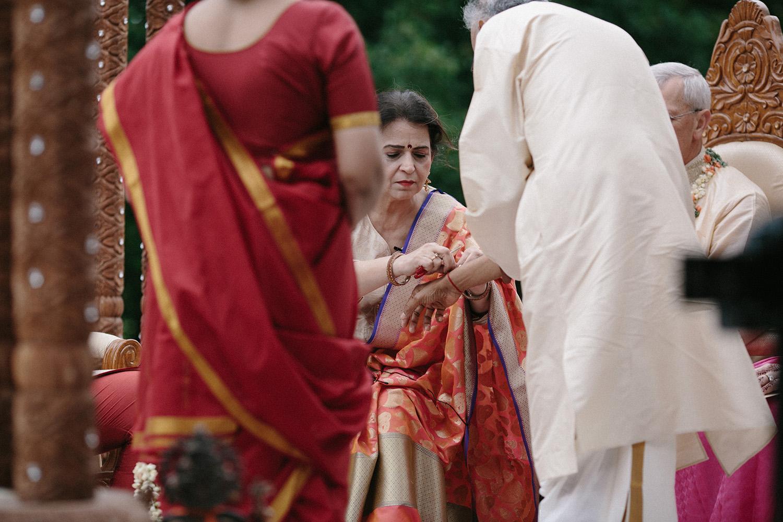 Chicago Botanic Gardens Indian Wedding 062.jpg