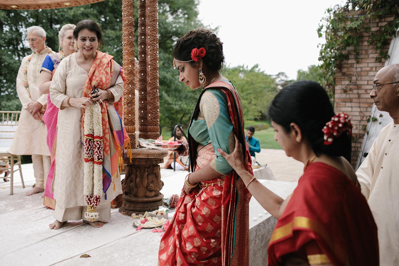 Chicago Botanic Gardens Indian Wedding 065.jpg