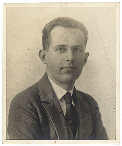 Philip Trammell Shutze, ca. 1920/ unidentified photographer. Allyn Cox papers, Archives of American Art, Smithsonian Institution.