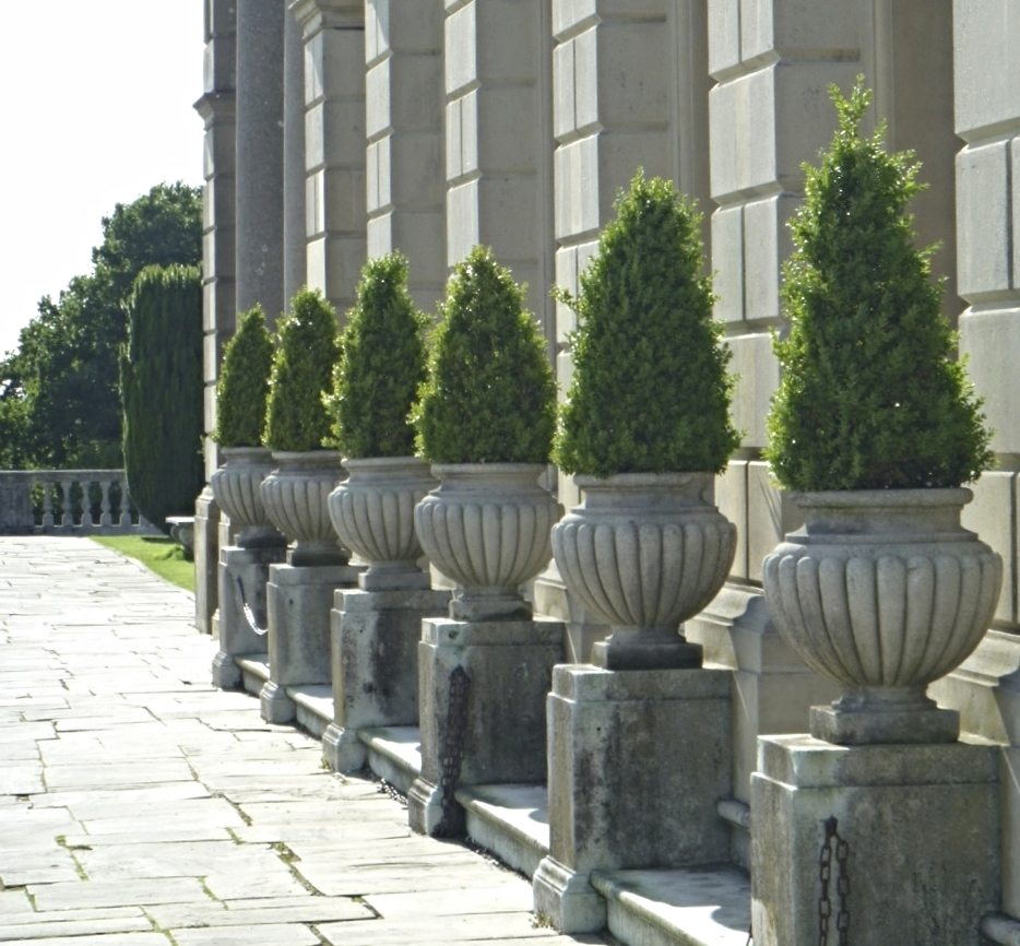 The terrace that overlooks the parterre.
