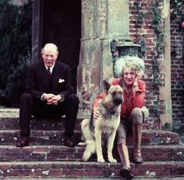 Vita Sackville-West andHarold Nicolson, in 1960 at their home, Sissinghurst, Kent. Photograph: Corbis /Corbis