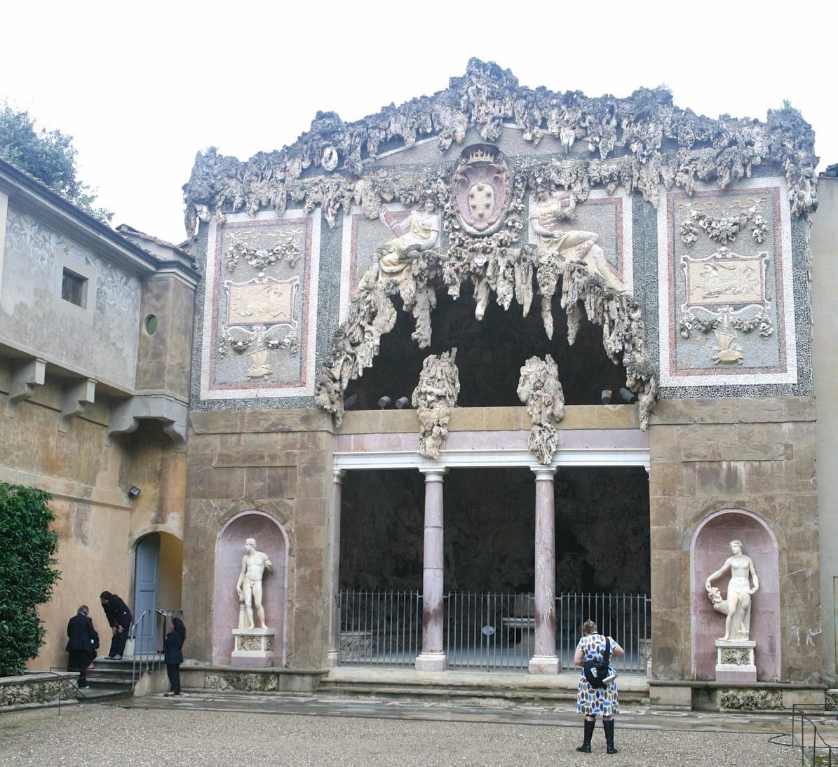 Grotta Grande by architect Bernardo Buontalenti,1593.