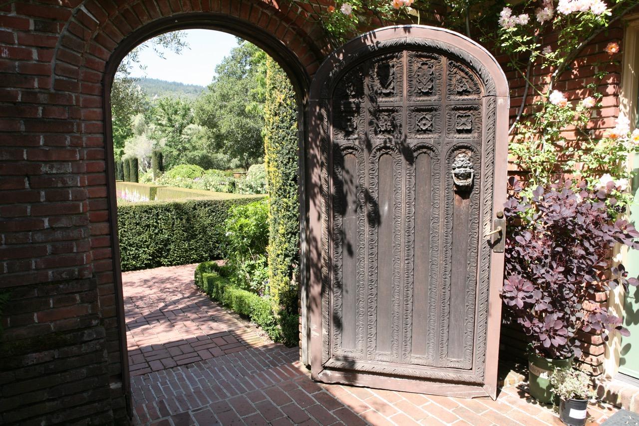 The garden gate. The Sunken Garden can be seen in the distance.