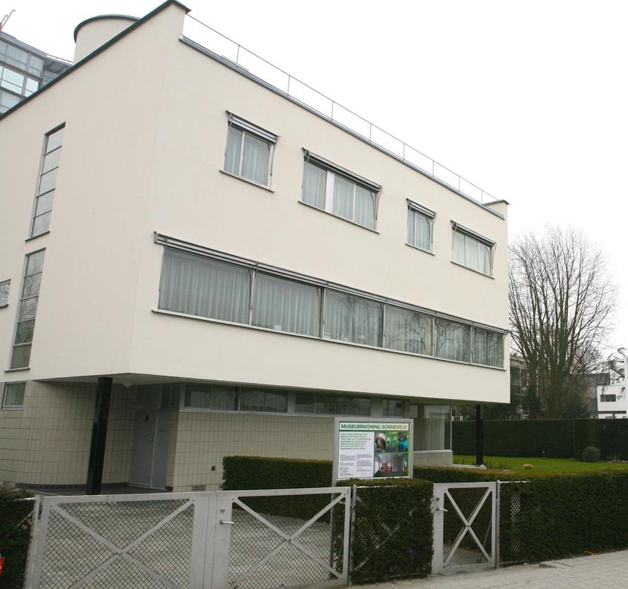 Front facade of Sonneveld House.