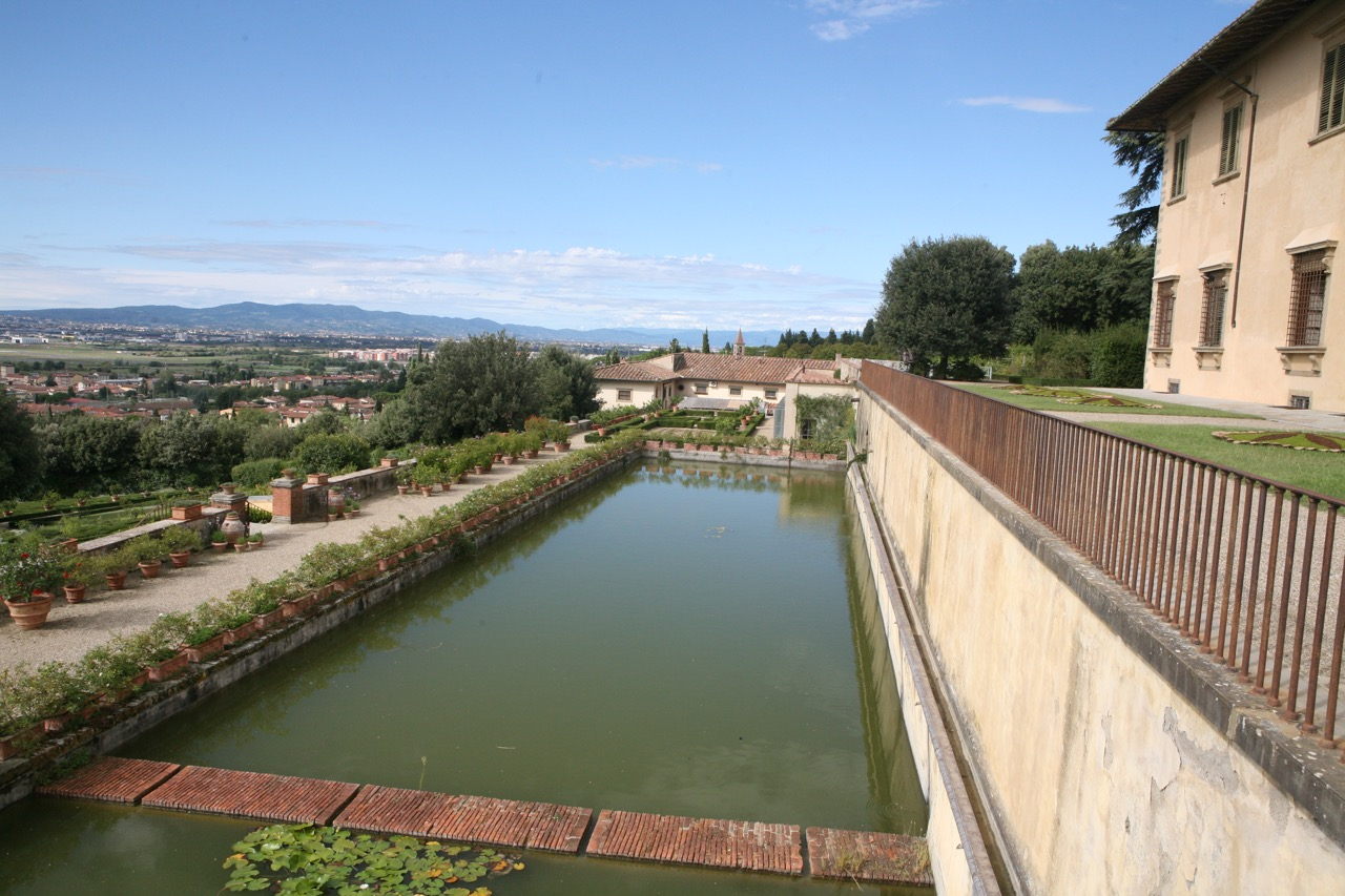 A tank below the upper terrace feeds the fountain below; it was described by Edith Wharton over 100 years ago.