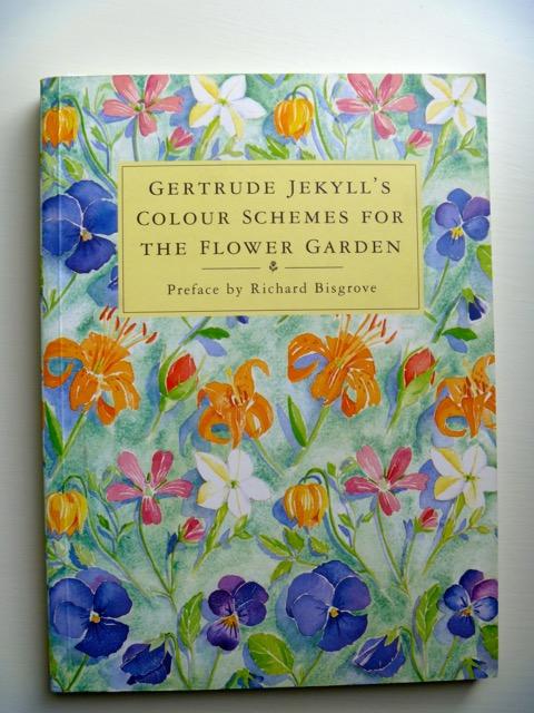 thegoodgarden|referencebooks|299.jpg
