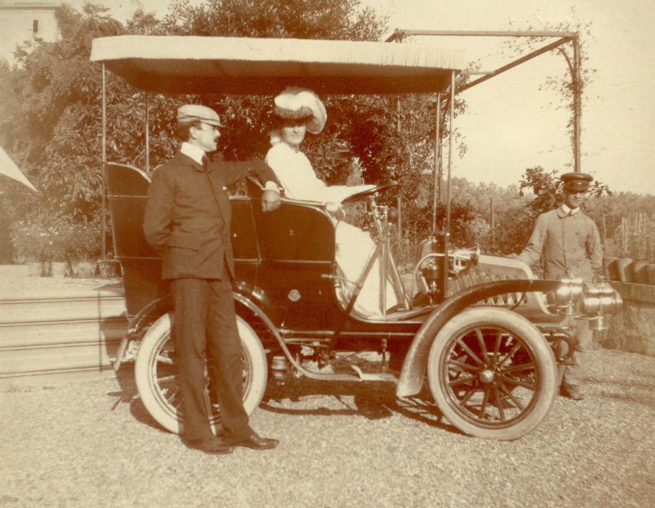 Hortense Mitchell and Arthur Acton get around in style in their new Fiat, 1903. Source:  http://lapietra.nyu .edu