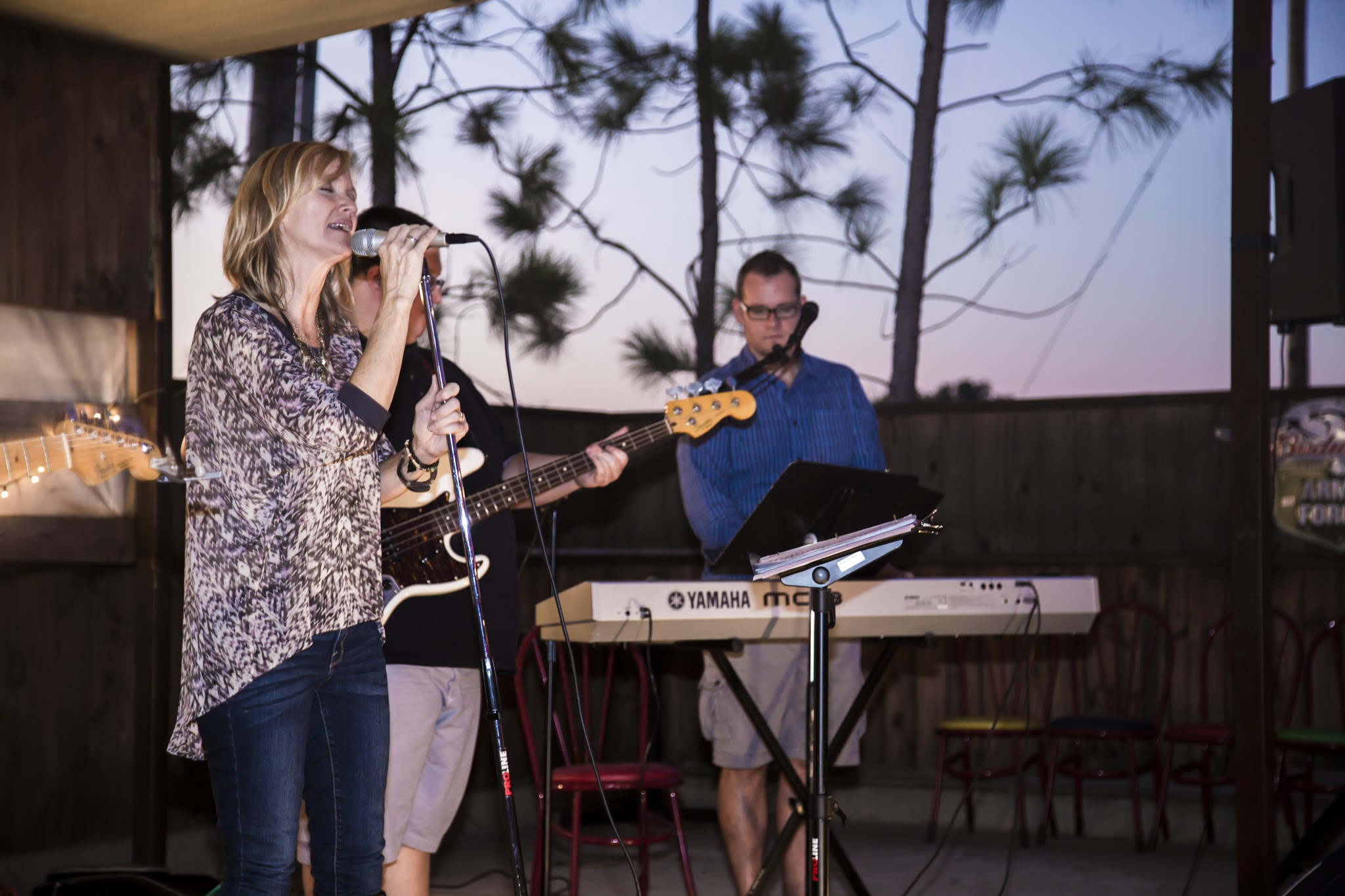 Elizabeth Speegle Band Live at La Luna Cantina & Grill Newcastle.jpg