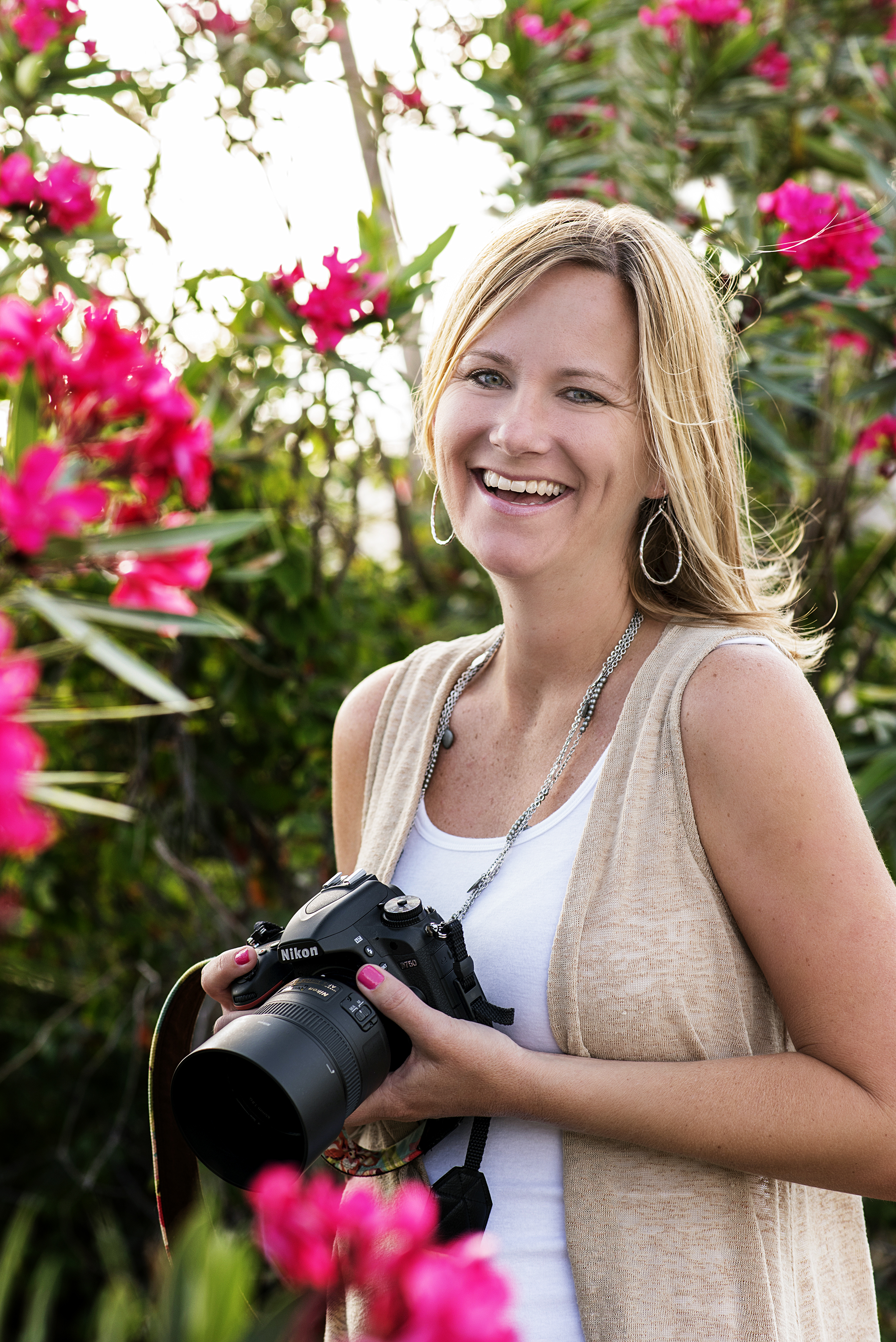 Jenn Kendall, the face behind in the camera ;)  Photo credit: Kimi with Carrier Photography