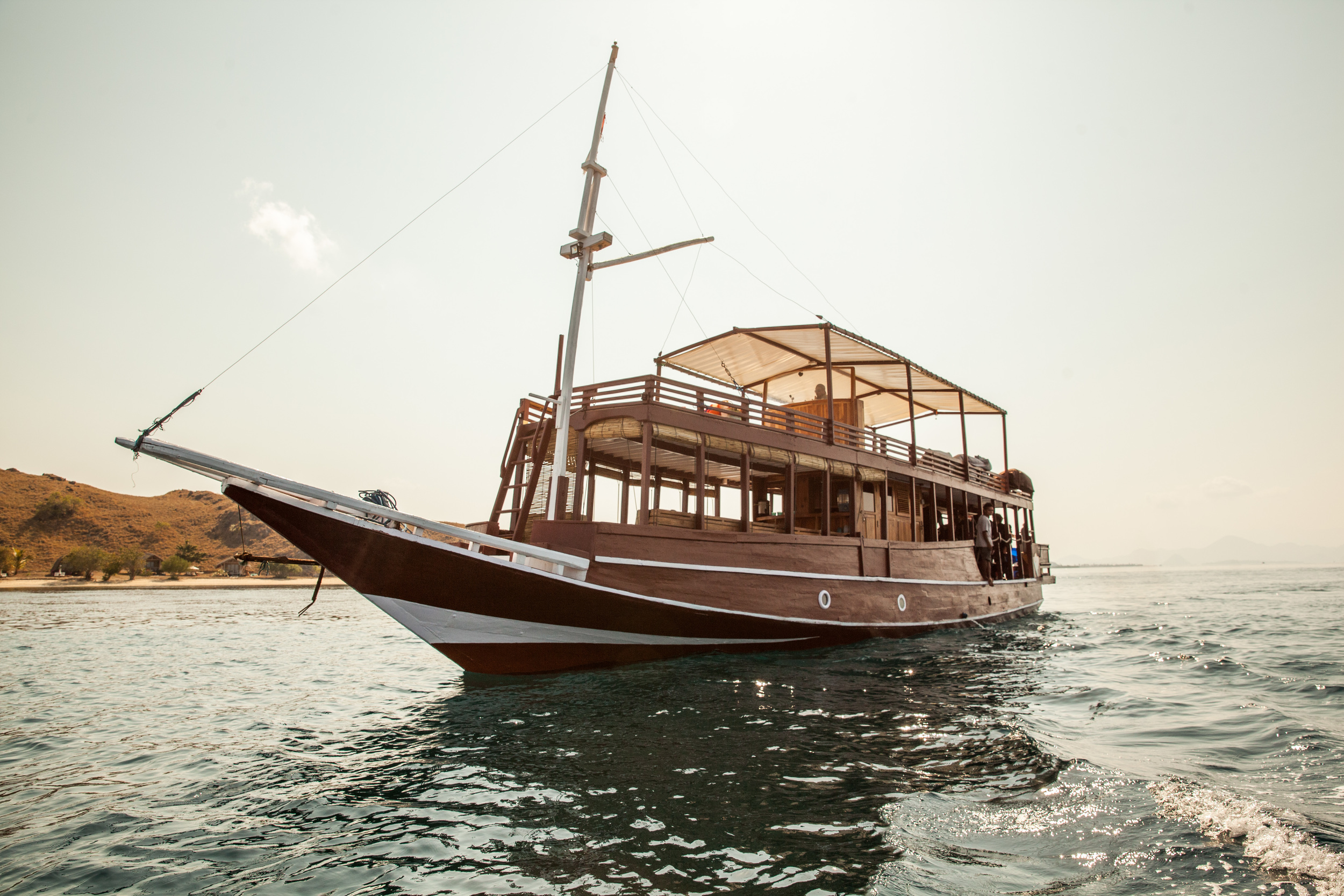Manta Rhei Dive center:The Dive Boat, Komodo National Park, Indonesia