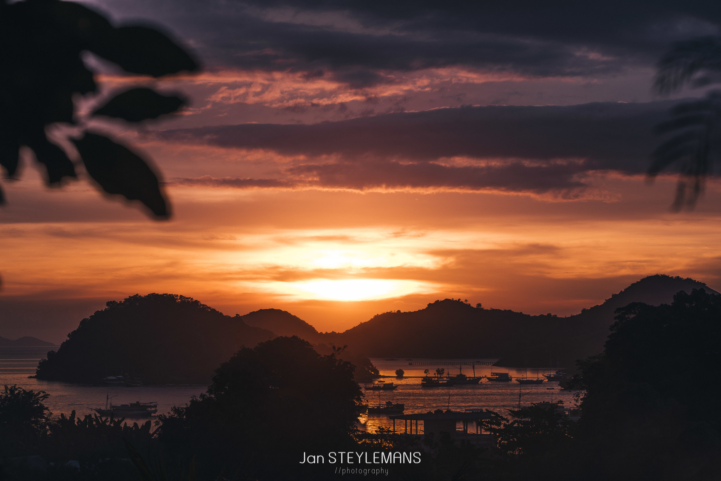 25. Red Sky, Labuan Bajo, Indonesia