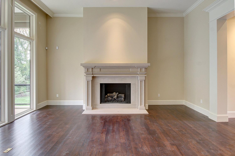 livingroom+fireplace.jpg