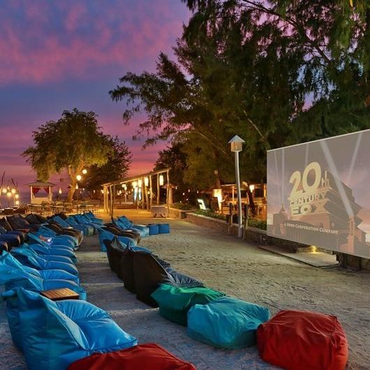 what-to-do-gili-trawangan-outdoor-cinema-beach