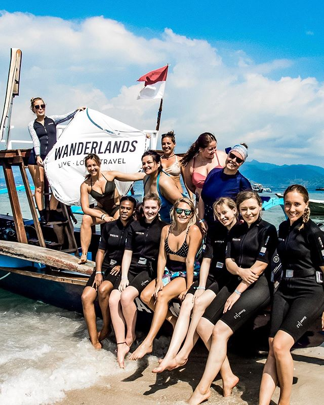 Heading out to explore Turtle Heaven with @wanderlands.travel and a boat full of @girlsthatscuba 🙌🏻 When was the last time you were this excited to try something new?⁣ ⁣ Check their account out for information on travel tours including Gili T, Bali and beyond 🌴 ⁣ ⁣ #divecentralgili #everydiveisafundive #turtleheaven #wanderlands #wanderlandstravel #wanderlandsbali #discoverscuba #discoverscubadiving #instadive #trydive #trydiving #scubadivinglife #travelbali #gilitravel #gilitraveller #scubadivingaddicts #gilitrawangan #giliislands #gilimeno #diveindonesia  #scubaworld #divemag #divinglife #paditv #wearepadi #oceanholiclife
