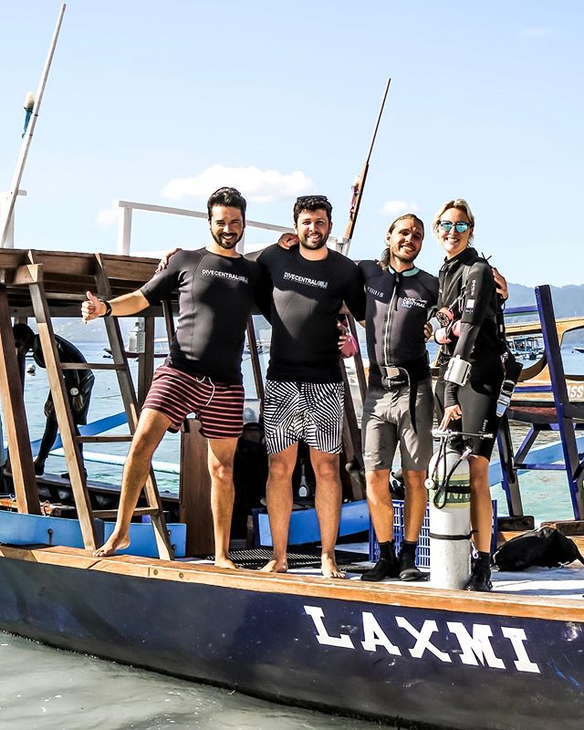 Happy divers ready to complete the final dives of their courses 👌🏻 What's your next PADI course going to be? 🤔 Let us know in the comments below!⁣ ⁣ We cater to all dive levels - from beginners to advancing your dive skills, or adding another speciality course to your list 🙌🏻 Check out our website for the full list of courses we can offer.⁣ ⁣ ⁣ #divecentralgili #everydiveisafundive #turtleheaven #wanderlands #wanderlandstravel #wanderlandsbali #discoverscuba #discoverscubadiving #instadive #sidemount #sidemountdived #scubadivinglife #travelbali #gilitravel #gilitraveller #scubadivingaddicts #gilitrawangan #giliislands #gilimeno #diveindonesia  #scubaworld #divemag #divinglife #paditv #wearepadi #oceanholiclife⁣