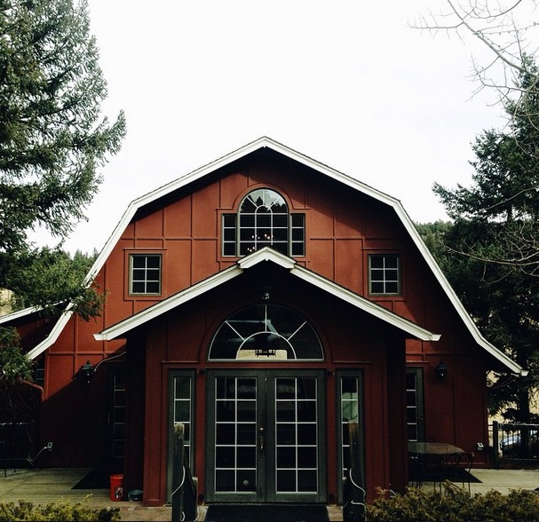 the red barn iphone photo